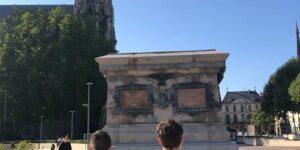 Image L'UNI Rouen lance une pétition pour le retour de la statue de Napoléon !